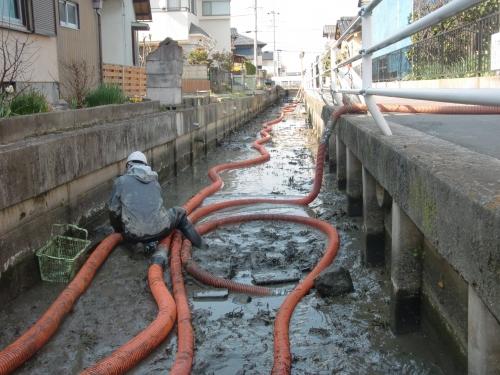 地元での浚渫作業を行いました