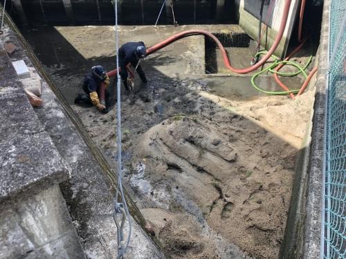 某所にて遊水の浚渫作業を行いました!