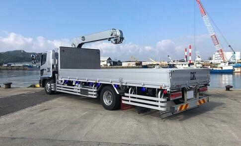 積載荷重: 6800kg / 吊上げ荷重: 2.93t / エアサス仕様